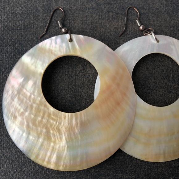 💝2/$20 Big Shell Earrings Dangle Earrings